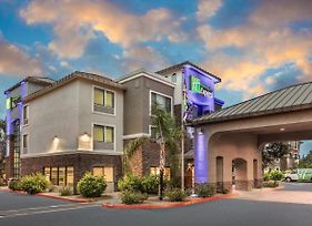 Holiday Inn Express & Suites Phoenix Tempe - University photos Exterior
