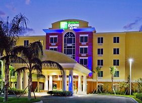 Holiday Inn Express Hotel & Suites Port St. Lucie West photos Exterior