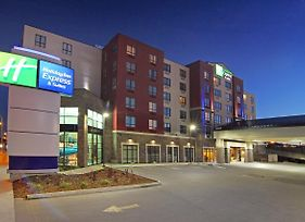 Holiday Inn Express & Suites Calgary Nw - University Area photos Exterior