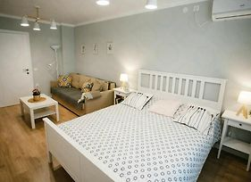 Walking Distance From The Railway Station Two Bedroom Apartment For Rent photos Exterior