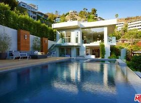 5 Bedroom Hollywood Hills Mansion photos Exterior