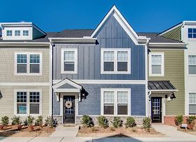 Flexible Furnished Townhome - Downtown Wake Forest photos Exterior
