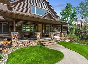 *New* Spa Luxury In An Expansive Cabin Escape! photos Exterior