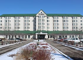 Ramada Plaza Calgary Airport Hotel And Conference Centre photos Exterior