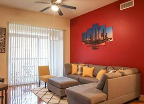 Discounted Oasis W/ Pool View In The Med Center By Nrg photos Exterior