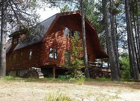 Dawn Lakeside Log Cabin On Cascade Lake - Private Beach & Dock, Pet Friendly, Fire Pit photos Exterior