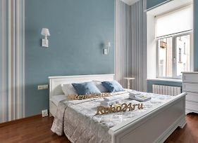 Two Bedrooms Apartments In The City Center Near St Isaac'S Cathedral - Dwuhcomnatnaya Apartments In Samom Centre, U Isaacievskogo Sobora, 4 Spalnyh Mesta, Renthouse photos Exterior