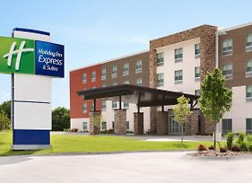 Holiday Inn Express & Suites Calgary Airport Trail Ne photos Exterior