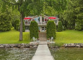 Simply Simcoe~A Fabulous Carthew Bay Lakefront Home photos Exterior