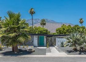 Ultra-Chic Mid-Century Alexander Butterfly In Little Beverly Hills 4Bd/3Bath photos Room