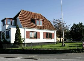 Two-Bedroom Holiday Home In Allinge 4 photos Room