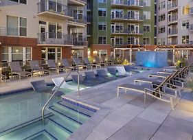 Kasa Denver Riverfront Apartments photos Exterior