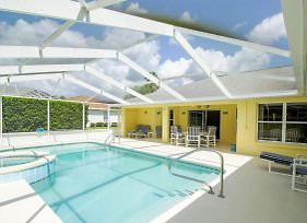 Beautiful & Sunny Pool Home With Golf View Home photos Exterior
