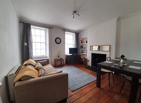 Lovely 2 Bedroom Flat In The Heart Of The City photos Exterior