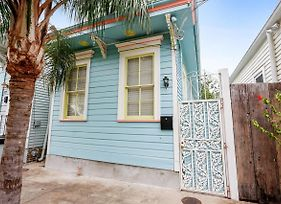 Fresh New Bywater 2Br Pad- Upscale Everything! photos Exterior