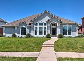 Elegant Frisco Home With Yard Less Than 1 Mi To Golf! photos Exterior