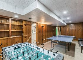 Enchanting Historic Townhouse With Game Room photos Exterior