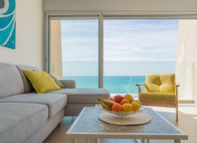 Stunning Beachfront Apartment With Epic Sea Views By Sea N' Rent photos Exterior