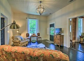 Updated Boerne Cottage; Sip, Explore & Relax! photos Exterior
