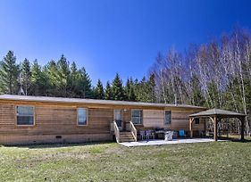 Secluded Home With Fire Pit - Walk To The Lake And Park! photos Exterior