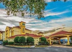 La Quinta Inn & Suites By Wyndham Myrtle Beach Broadway Area photos Exterior