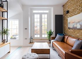 Contemporary Chic Home In Kings Cross photos Exterior