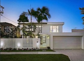 Surfers Paradise Holiday Home Almalfi Drive photos Exterior