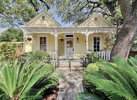 2Br Victorian W/ Private Pool Home photos Exterior