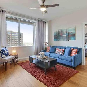 Stunning 11Th Floor Condo In Cbd Off Canal St. photos Exterior