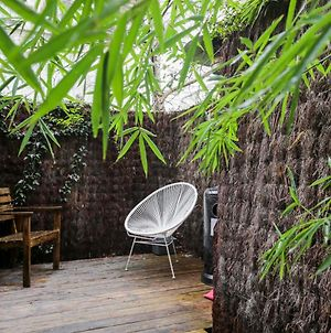 Hidden Abode With Large Patio In Buttes-Chaumont - Paris photos Exterior