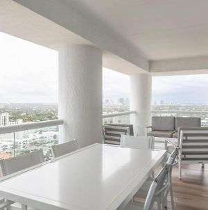 Studio Residential Suite Sleeps 3 Luxury Living Right On Ft Lauderdale Beach photos Exterior