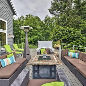 Spacious Whidbey Island Home With Deck And Hot Tub photos Exterior