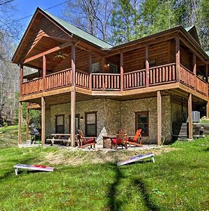 Gatlinburg High End Cabin: Hot Tub, Pool Table, And More! photos Exterior