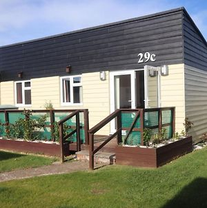 29C Medmerry Park 2 Bedroom Chalet - No Manual Workers Allowed photos Exterior