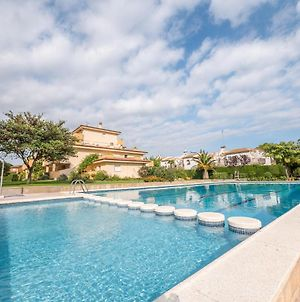 Beautiful Apartment For Families, Very Close To The Beach photos Exterior