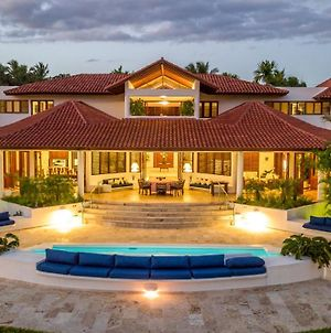 Private Brand New & Modern Villa With Pool & Staff photos Exterior