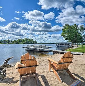 Large Waterfront Cottage With Boat Dock And Beach photos Exterior