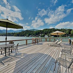 Brand-New Lakefront Retreat With Boathouse Home photos Exterior