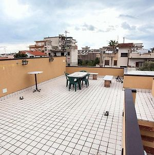 Locri Villa Sleeps 4 Air Con Wifi photos Exterior