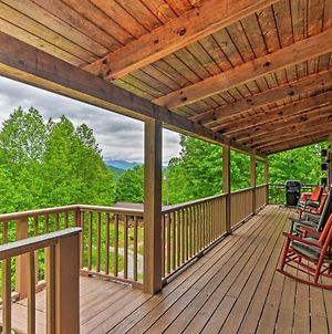 Bryson City Cabin With Private Hot Tub And Pool Table! photos Exterior