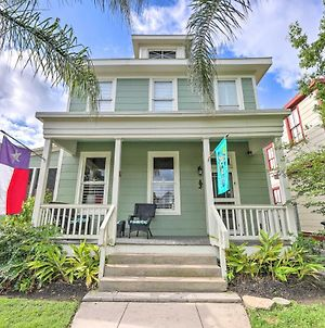 Historic Galveston Home - Walk To The Beach! photos Exterior