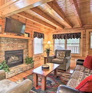 Pigeon Forge Cabin With Hot Tub, 2 5 Mi To The Strip photos Exterior