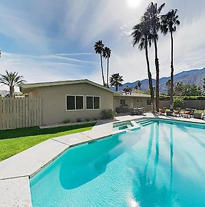 2Br/2Ba Modern Retreat: Pool & Spa, Near Downtown Palm Springs Home photos Exterior