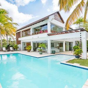 Private Luxury Villa With Staff & Pool photos Exterior