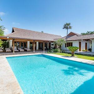 Modern Villa With Private Pool, Jacuzzi, Golf Cart, Bikes & Maid photos Exterior