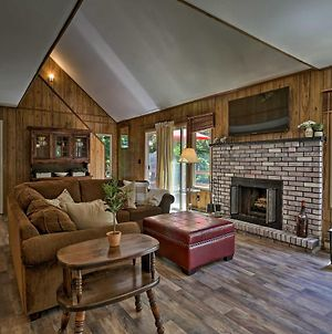 Tobyhanna Cabin With Resort Amenities & Fire Pit photos Exterior