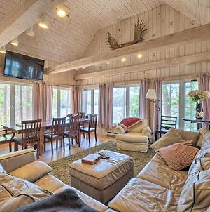 Quiet Waterfront Cabin With Dock And Game Room! photos Exterior