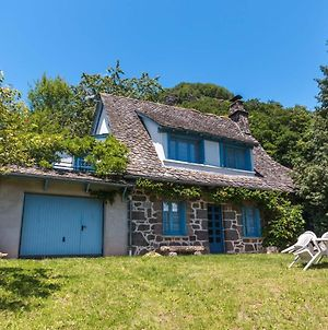Spacious Holiday Home Near Forest In Auvergne photos Exterior