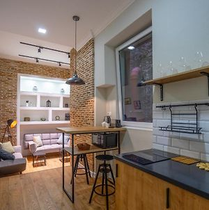 Stylish Tworoom Apartment In The Center Of The City photos Exterior