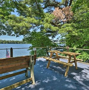 Lakefront Family Retreat With Private Dock! photos Exterior